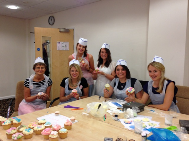 hen do cupcake making
