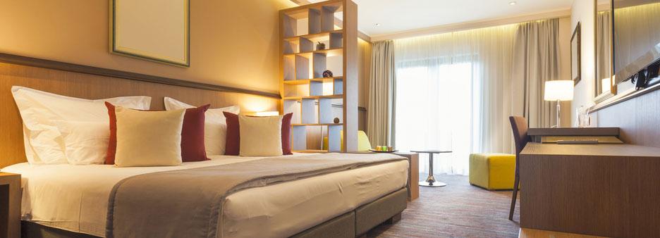 hotel saving money