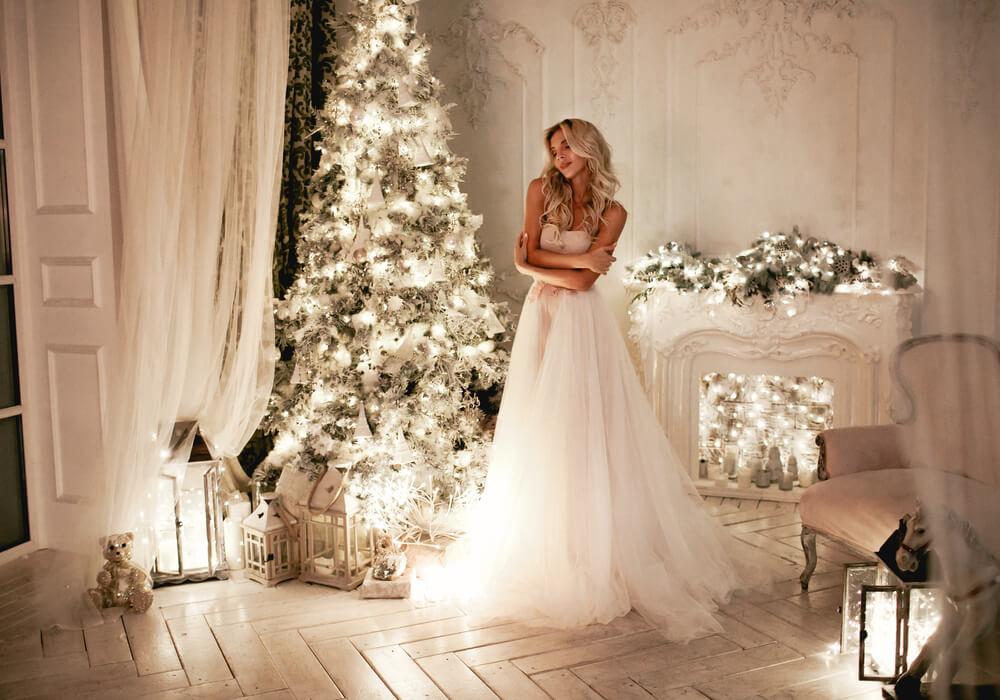 Bride at chic winter wedding