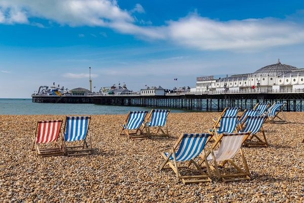 Image of the famous Brighton pebble beach and pier