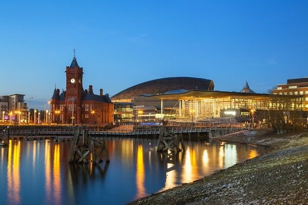 Image of Cardiff bay in the evening